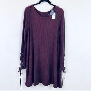 American Eagle Soft & Sexy Plush Lace Sleeve Dress